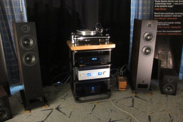 IMG_0256Los Angeles Audio Show 2017.JPG
