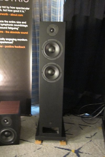 IMG_0262Los Angeles Audio Show 2017.JPG