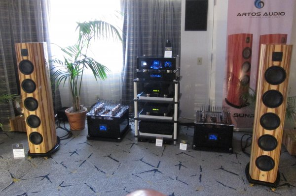 IMG_0341Los Angeles Audio Show 2017.jpg