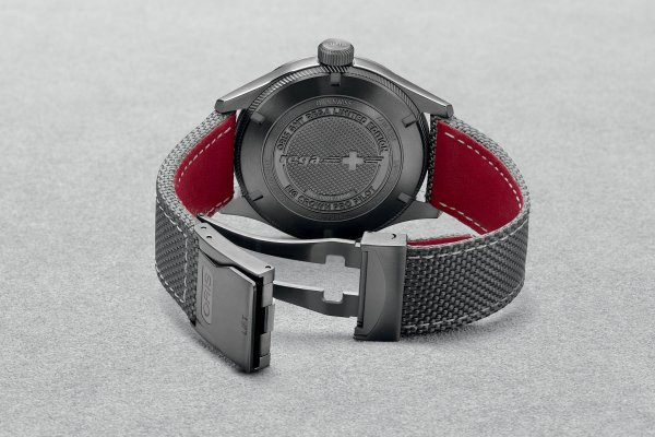 Oris-GMT-Rega-Limited-Edition-3.jpg
