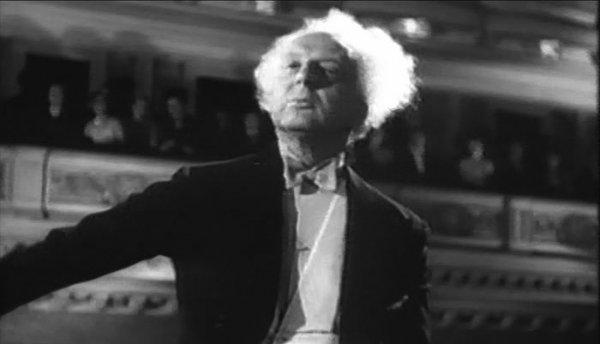 Leopold-Stokowski-at-Carnegie-Hall-1947.jpg